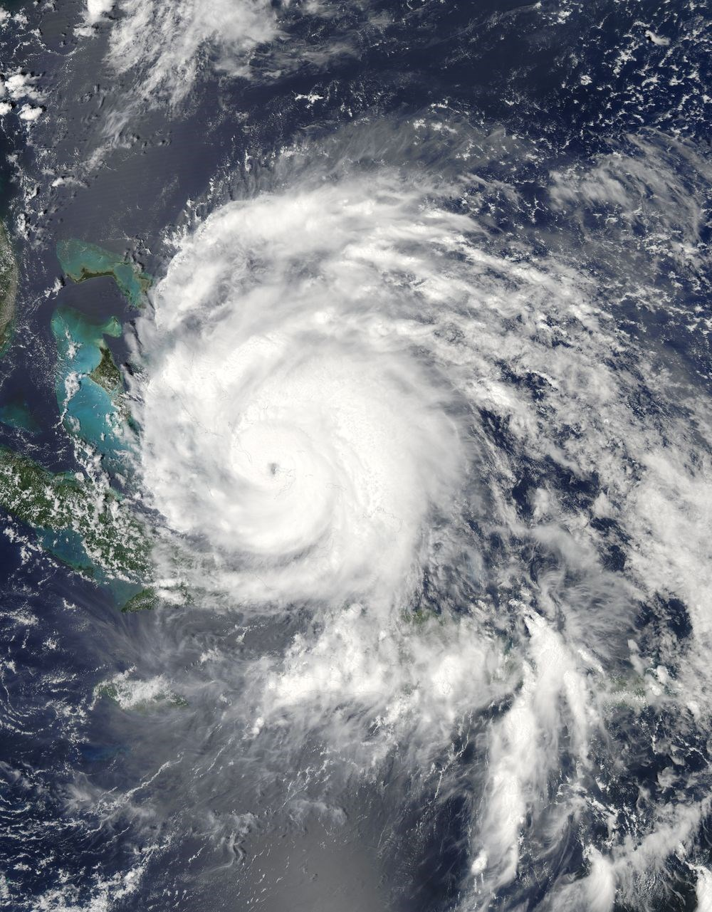 科學家發現,颶風與地震這兩種天災會混搭在一起,成為新型災害「風暴震」。研究團隊發現2011年的颶風艾琳在佛羅里達海岸曾引發地震。(圖取自NASA Earth Observatory網頁earthobservatory.nasa.gov)