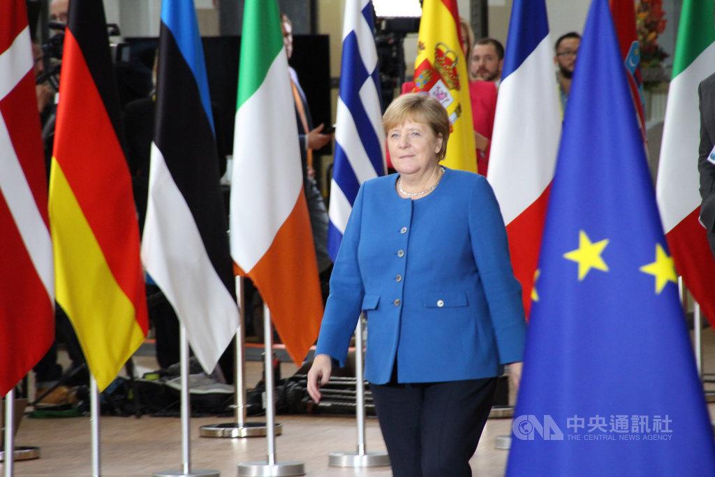 德國總理梅克爾17日出席歐盟峰會,肯定歐盟與英國談判團隊達成新脫歐協議草案。中央社記者唐佩君布魯塞爾攝 108年10月17日