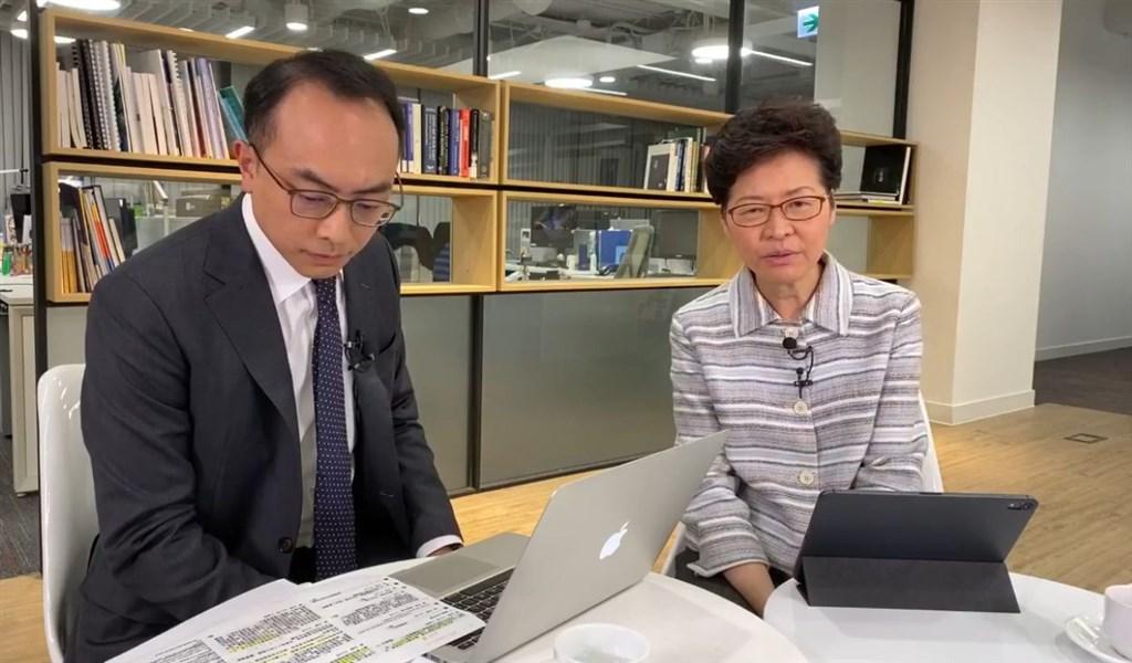 香港「反送中」示威者一直要求「5大訴求,缺一不可」,行政長官林鄭月娥(右)17日表示,難以答應。(圖取自facebook.com/carrielam.hksar)