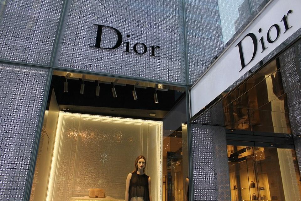 法國時尚精品品牌克麗絲汀迪奧因中國地圖未納入台灣而遭大陸網友圍剿,Dior在官方微博發聲明表示,Dior始終尊重並維護一個中國原則,嚴格維護中國的主權及領土完整。(圖取自Pixabay圖庫)