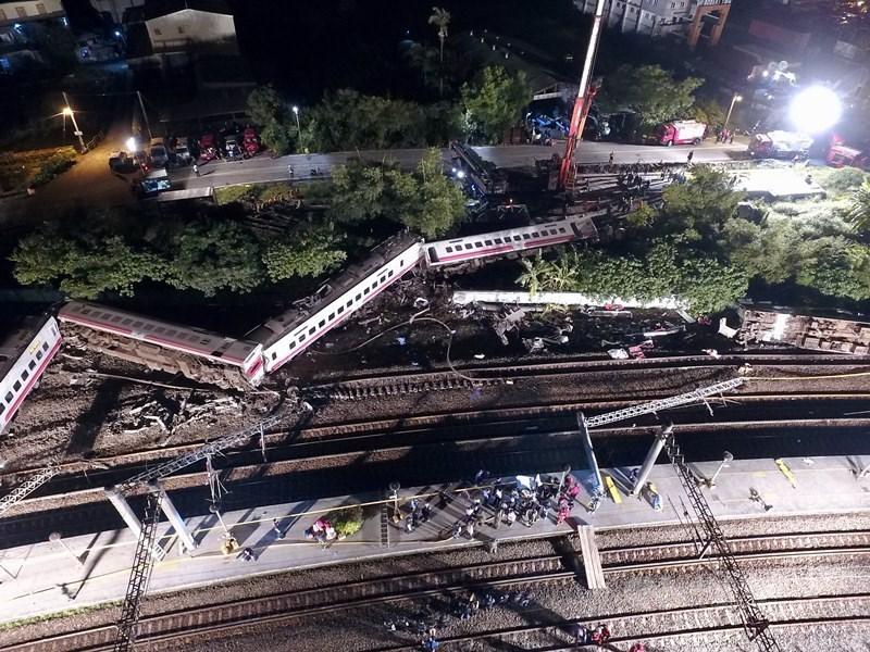 21日是普悠瑪事故週年,台鐵18日發布新聞稿指出,目前已發放的賠償金達新台幣1億6000多萬元。(中央社檔案照片)