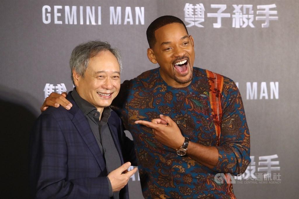 導演李安(左)、好萊塢巨星威爾史密斯(Will Smith)(右)21日出席記者會,宣傳新片「雙子殺手」(Gemini Man)。中央社記者王騰毅攝 108年10月21日