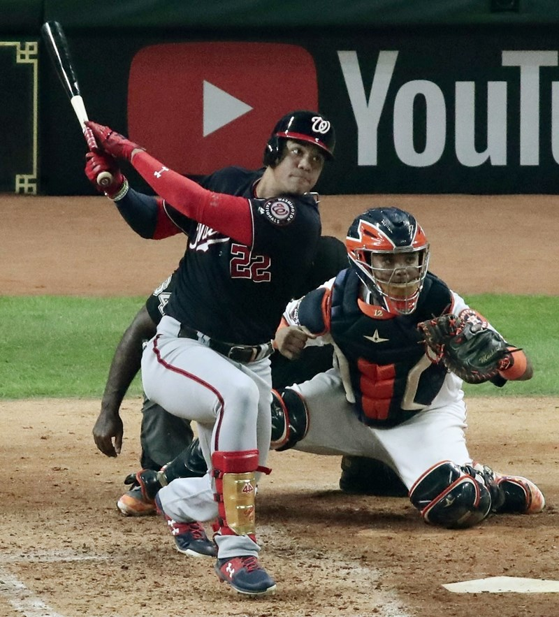 MLB世界大賽23日開打,華盛頓國民第4棒蘇鐸(打者)繳出4打數3安打表現,帶領國民終場以5比4擊敗太空人。(共同社提供)