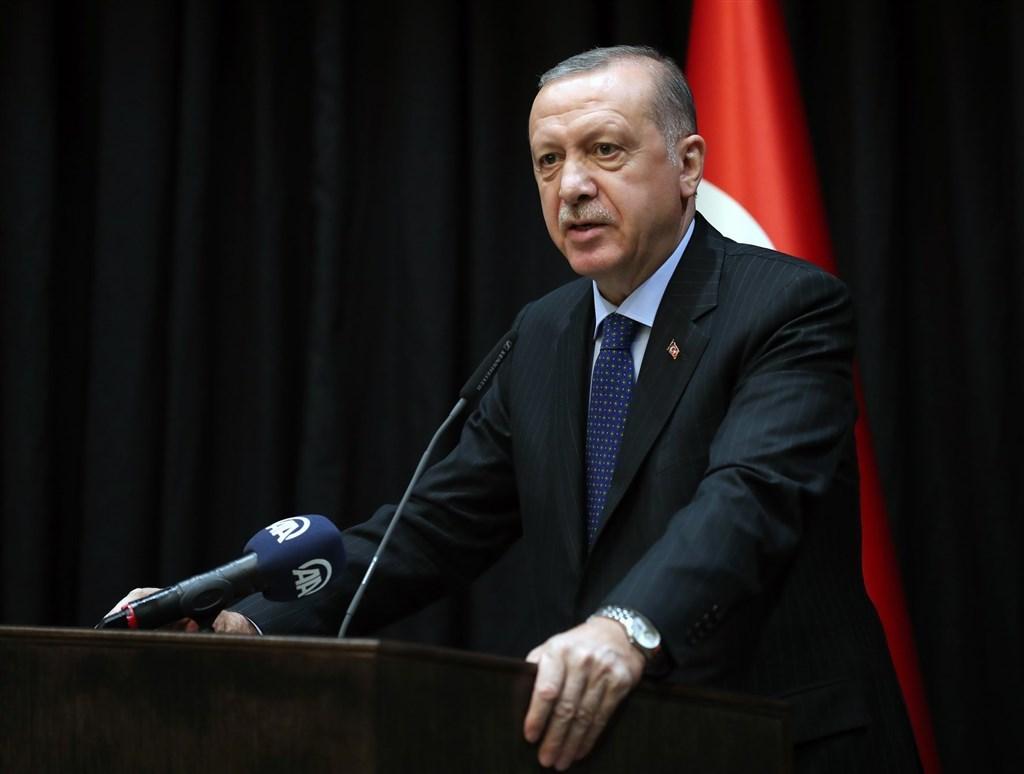 土耳其總統艾爾段24日表示,將會在敘北曼比季附近設置觀察區,並說已形成一道10公里深的和平走廊。(圖取自facebook.com/RTErdogan)