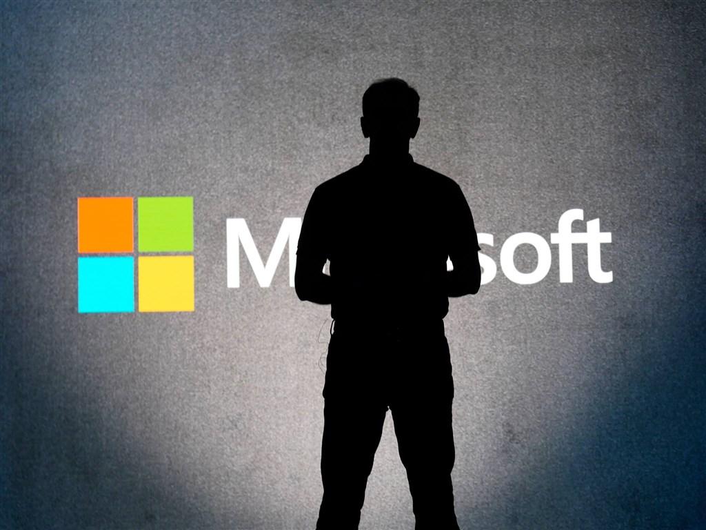 美國五角大廈25日宣布,價值100億美元的雲端運算合約由微軟得標。(圖取自facebook.com/Microsoft)