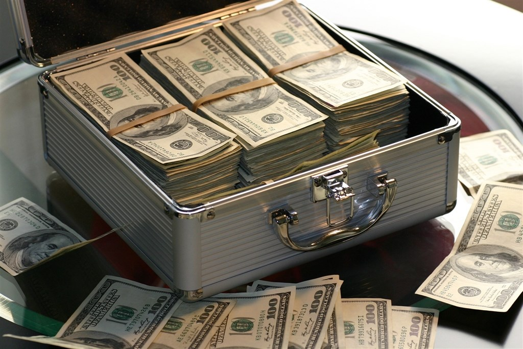 根據瑞銀與資誠發布的2019年億萬富翁調查報告,台灣億萬富豪總人數增至40人,總財富成長11億美元。(示意圖/圖取自Pixabay圖庫)