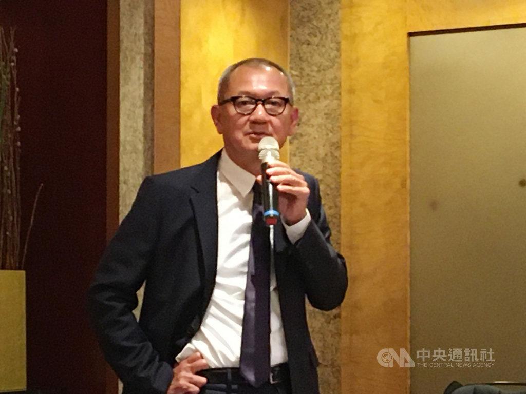 國巨12日舉行記者會,董事長陳泰銘暢談收購基美後的綜效,他形容,如同嘗到上層蛋糕奶油的甜美。中央社記者鍾榮峰攝 108年11月12日