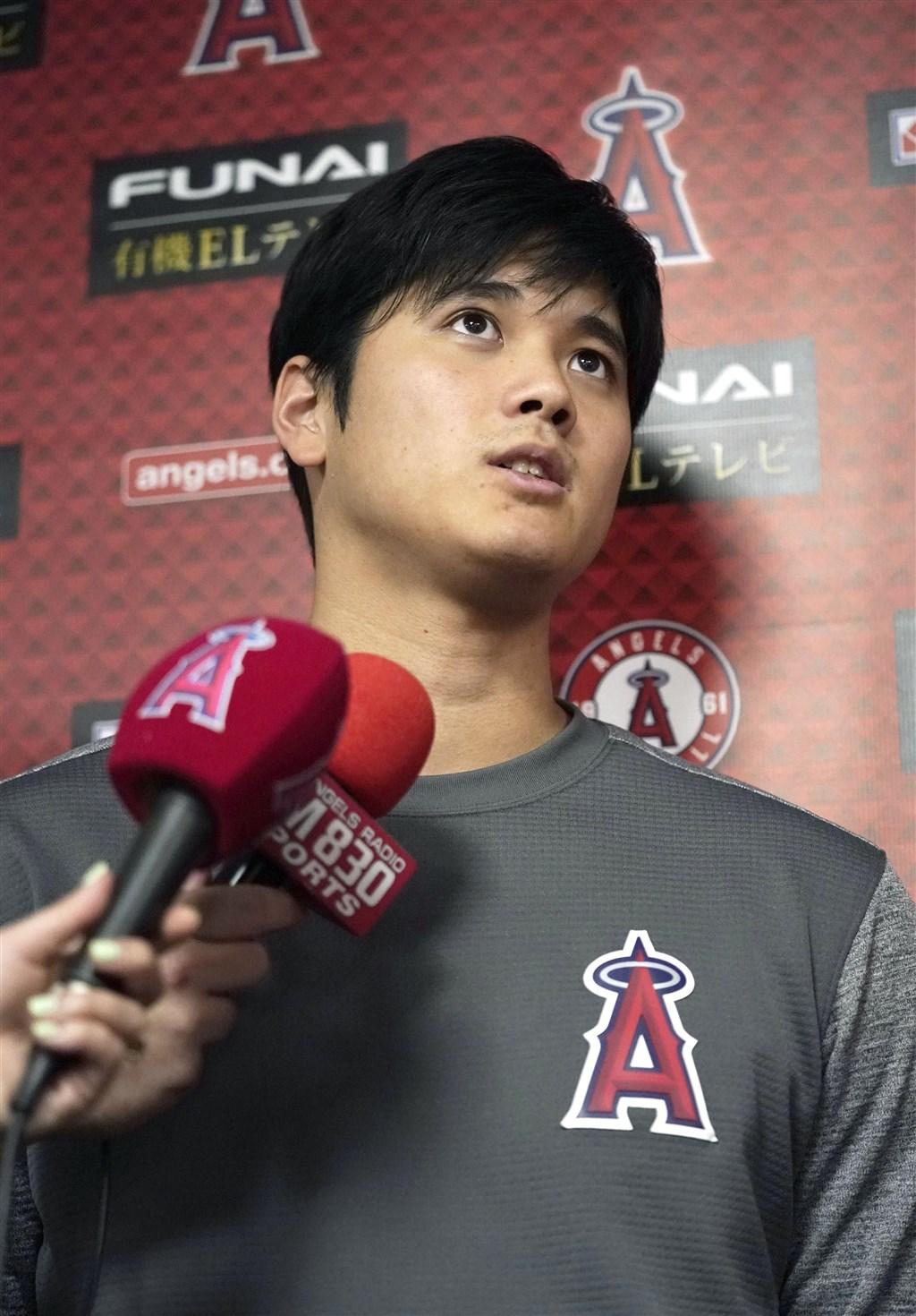 MLB洛杉磯天使隊日籍球星大谷翔平9月進行左膝手術後復健良好,球團表示,大谷翔平11月底可望重新站上投手丘投球練習。(共同社提供)
