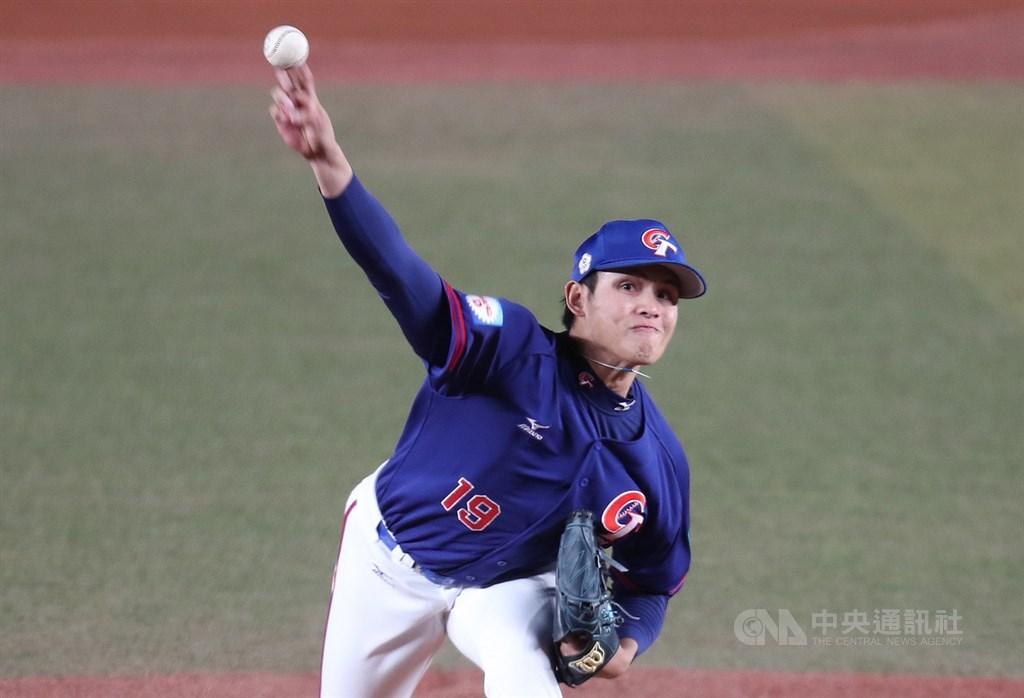 中華隊投手張奕17日獲第2屆世界12強棒球賽最佳先發投手。(中央社檔案照片)