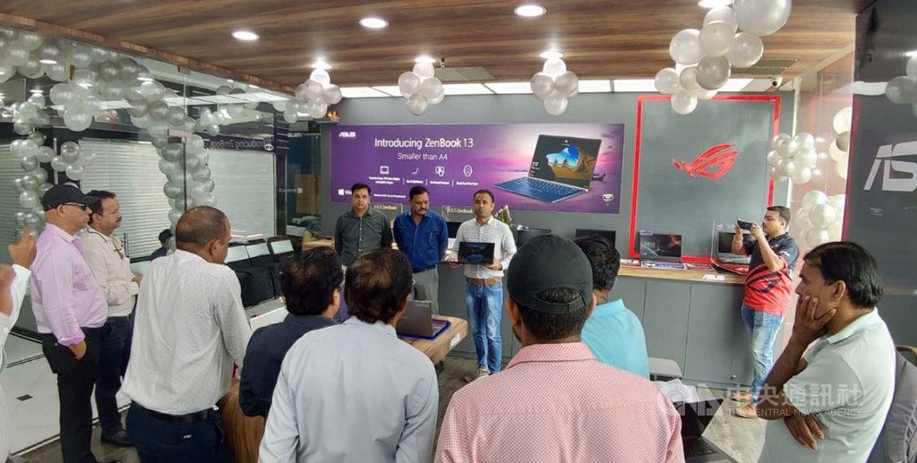電腦品牌廠華碩18日宣布將在印度加快展店腳步,預計以每月增設7到10家直營旗艦店的速度,目標2020年以前擴展到200家。(華碩提供)中央社記者吳家豪傳真  108年11月18日