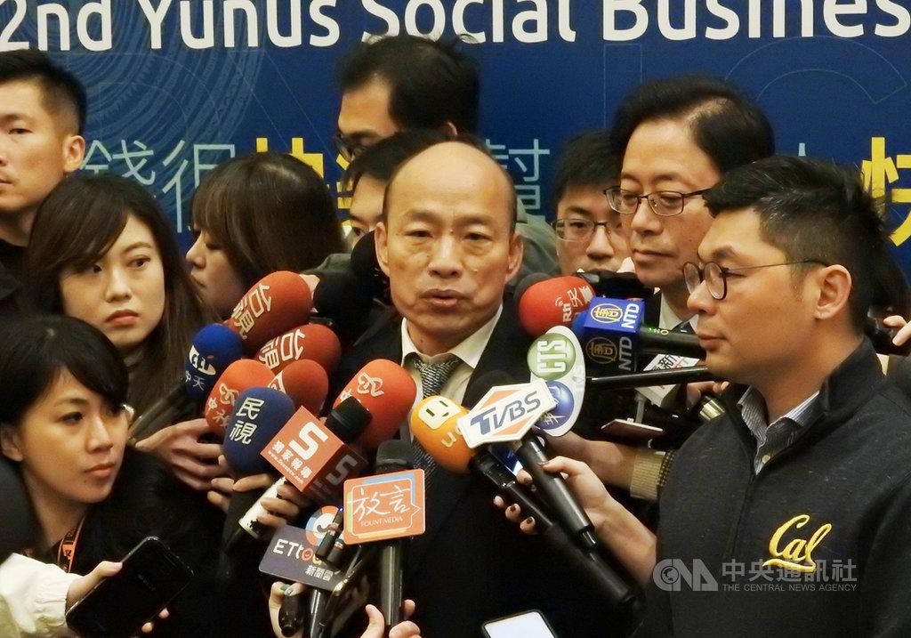 國民黨總統參選人韓國瑜19日表示,民進黨完全是在用欺騙治理國家,「總統府在等一個良心」。中央社記者王承中攝  108年11月19日
