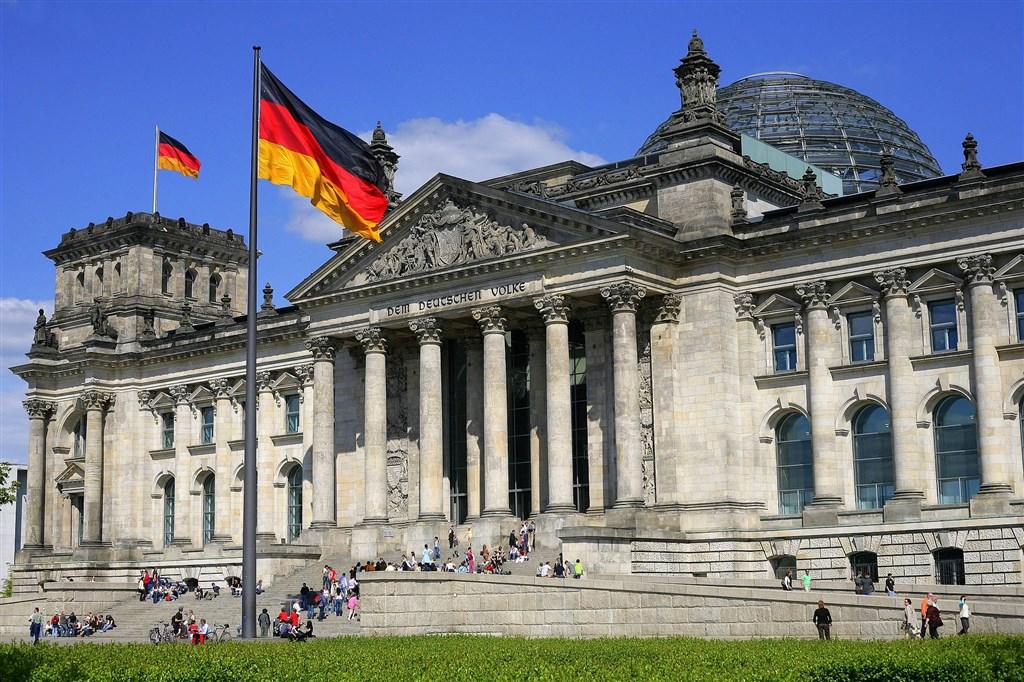 德國民眾向國會請願與台建交,國會將在12月9日召開公聽會,但官員仍重申一個中國政策。圖為德國國會大樓。(圖取自維基共享資源;作者Cezary Piwowarski,CC BY-SA 3.0)