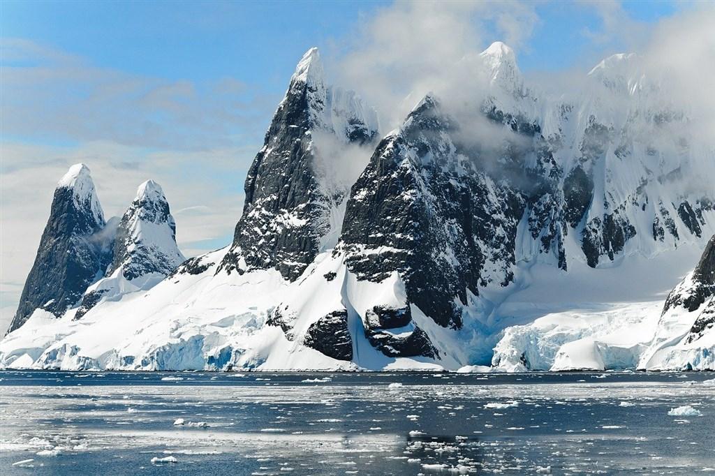 科學家指出,氣候變遷將讓外來物種較易入侵並「落地生根」,破壞南極洲生態平衡。(圖取自Pixabay圖庫)