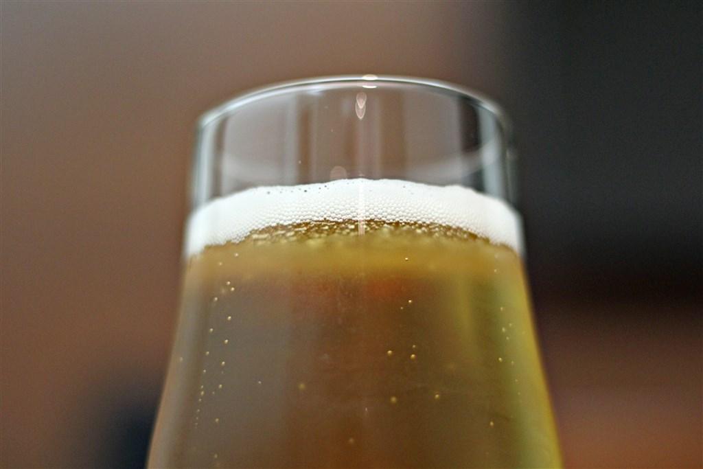 日本財務省28日公布10月貿易統計,銷往南韓的啤酒出口數量及金額時隔20年再度掛零,研判與兩國關係惡化,南韓發起拒買日貨運動有關。(示意圖/圖取自Unsplash圖庫)