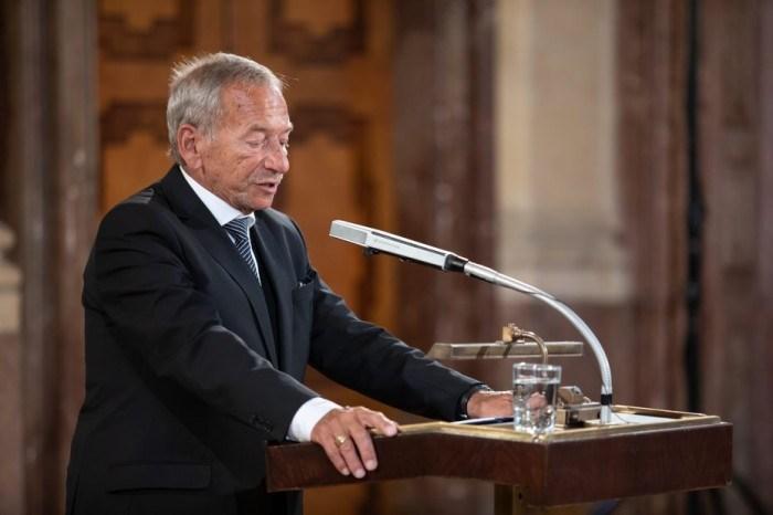 捷克參議院議長柯佳洛(圖)的訪台計畫受到總統和總理批評。(圖取自柯佳洛個人網頁kubera.cz)