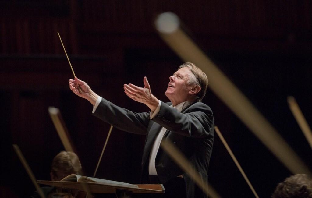 世界級拉脫維亞指揮家楊頌斯11月30日病逝於俄羅斯聖彼得堡家中,享壽76歲。(圖取自twitter.com/BRSO)