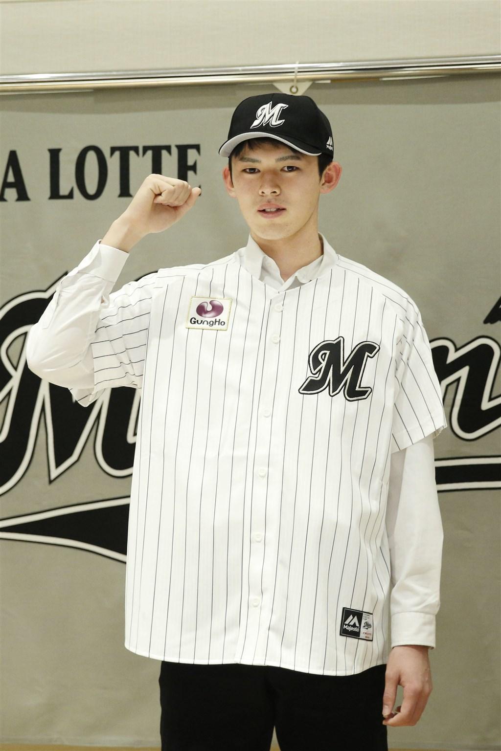 被稱為「令和怪物」的高中生佐佐木朗希,30日決定加盟日本職棒千葉羅德隊。(共同社提供)