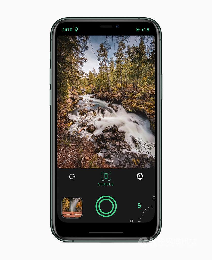蘋果公司(Apple)3日公布2019年度最佳App名單,其中iPhone年度最佳App是具有人工智慧(AI)功能的Spectre Camera,讓使用者能拍攝出長時間曝光照片。(蘋果提供)中央社記者吳家豪傳真 108年12月3日