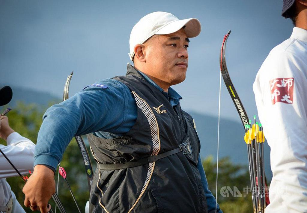2020東京奧運射箭國手選拔賽第1階段4日在花蓮登場,35歲射箭老將「大雄」郭振維今年再次參賽,以積分51分暫排第7,他表示,出來比賽的目的是希望成為年輕選手正面教材。(射箭協會提供)中央社記者龍柏安傳真 108年12月4日