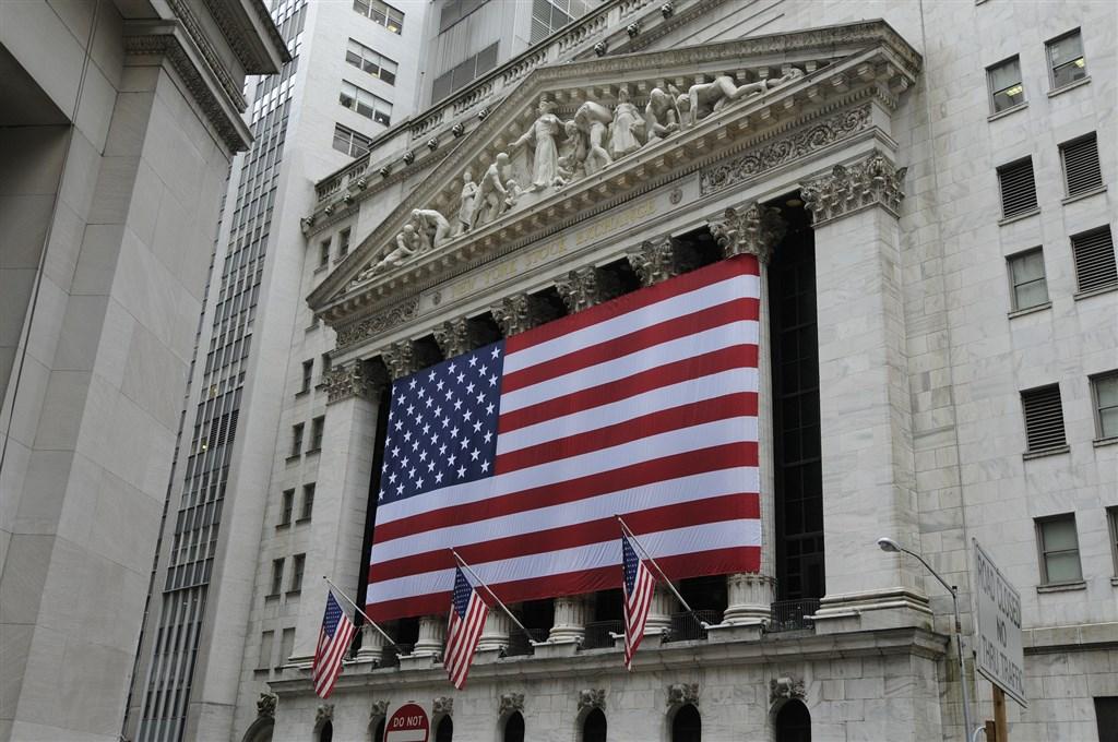 川普表示,與中國達成貿易協議可能要等到明年11月的美國總統大選之後,使投資人對美中能否很快達成第一階段貿易協議心生疑慮,華爾街股市3日下挫。(圖取自Pixabay圖庫)
