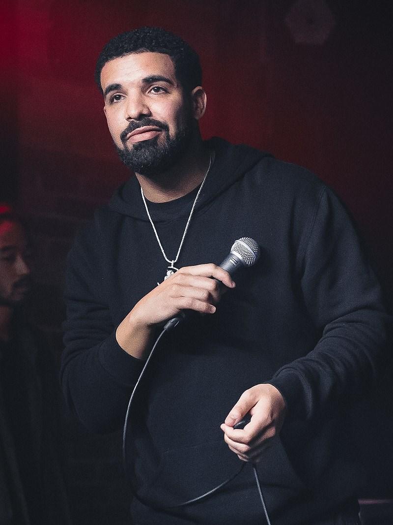 音樂串流龍頭Spotify3日公布,饒舌歌手德瑞克榮登10年來全球最高串流量歌手。(圖取自維基共享資源;作者The Come Up Show,CC BY-SA 2.0)