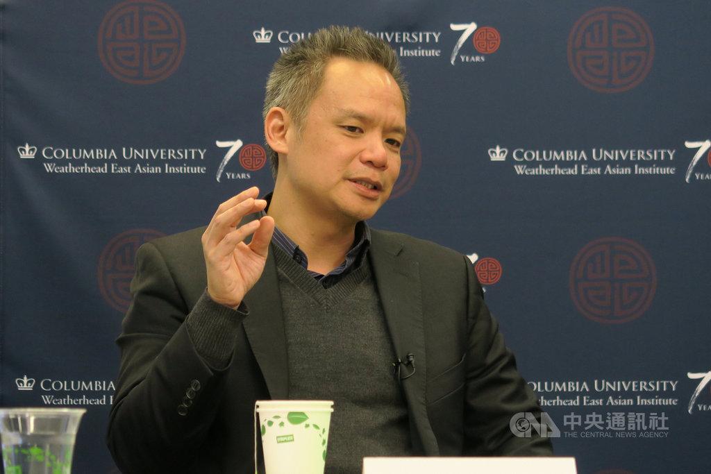 紐約時報資深記者黃安偉5日在哥倫比亞大學分享西藏採訪經歷時說,中方阻撓外媒採訪,香港、新疆新聞瓜分採訪資源,都造成西藏新聞日漸減少。中央社記者尹俊傑紐約攝 108年12月6日