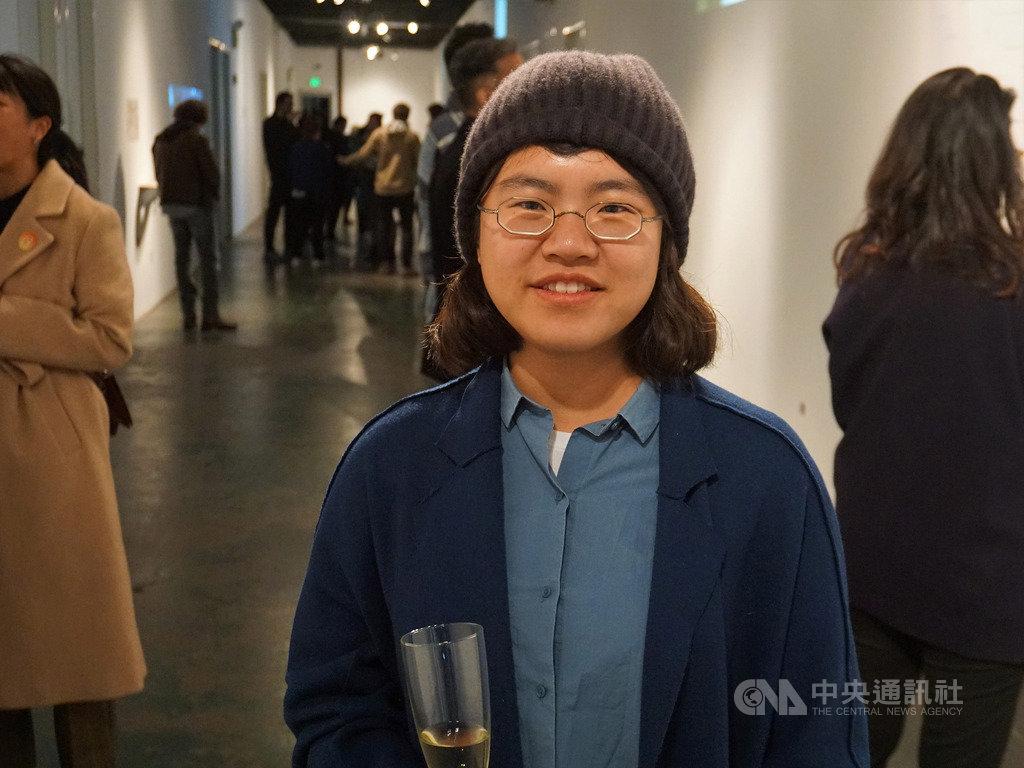 台灣藝術家林怡君(圖)獲文化部選送到洛杉磯聖塔蒙尼加的18街藝術中心擔任駐村藝術家,6日舉行「迴旋走廊」個展。中央社記者林宏翰洛杉磯攝 108年12月7日