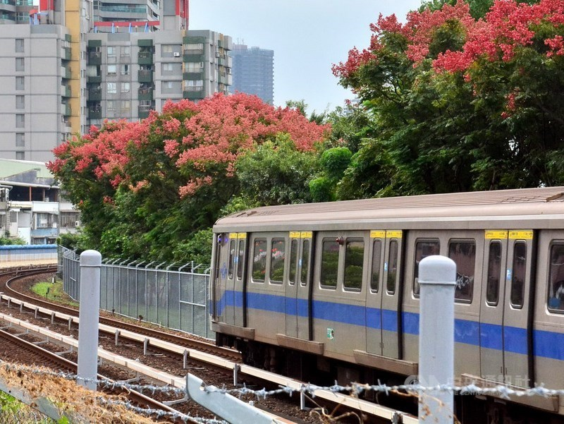 針對台北捷運公司宣布票價優惠結構調整,新北市政府交通局表示遺憾,期盼北捷提出詳細的分析數據,並加強照顧弱勢,提出合理社會承擔的說明。(中央社檔案照片)