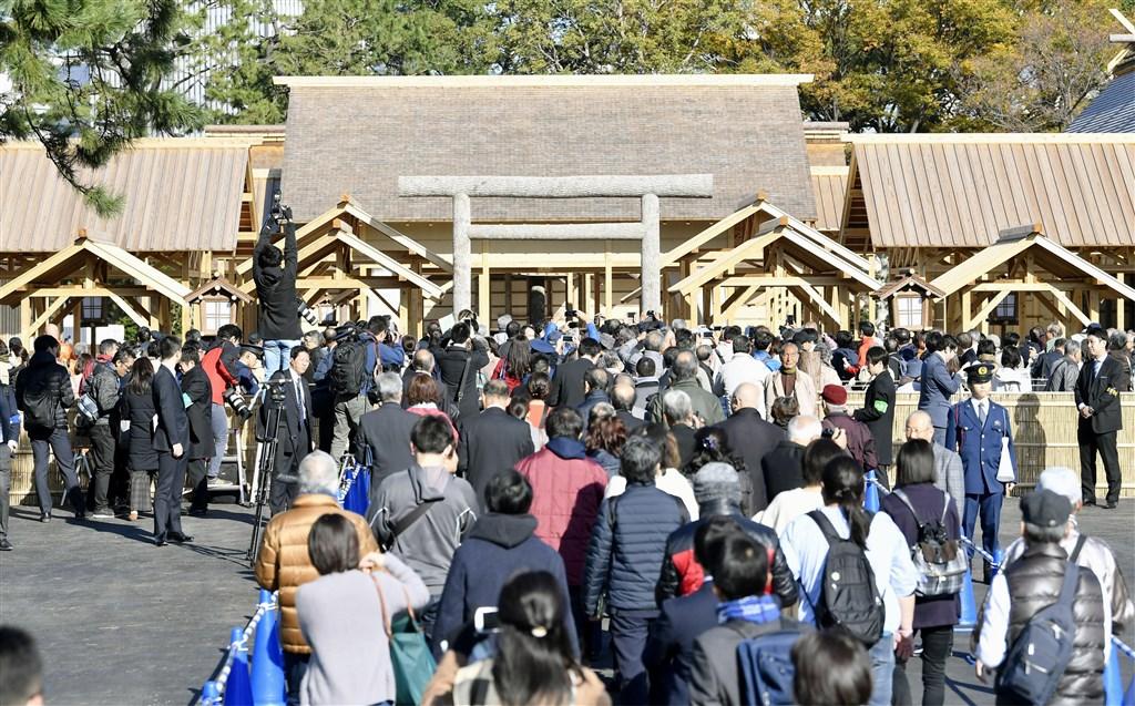 日皇德仁即位傳統儀式「大嘗祭」舉辦的舞台大嘗宮開放給民眾參觀,18天以來有78萬多人前來,遠超過平成時代的紀錄。(共同社提供)
