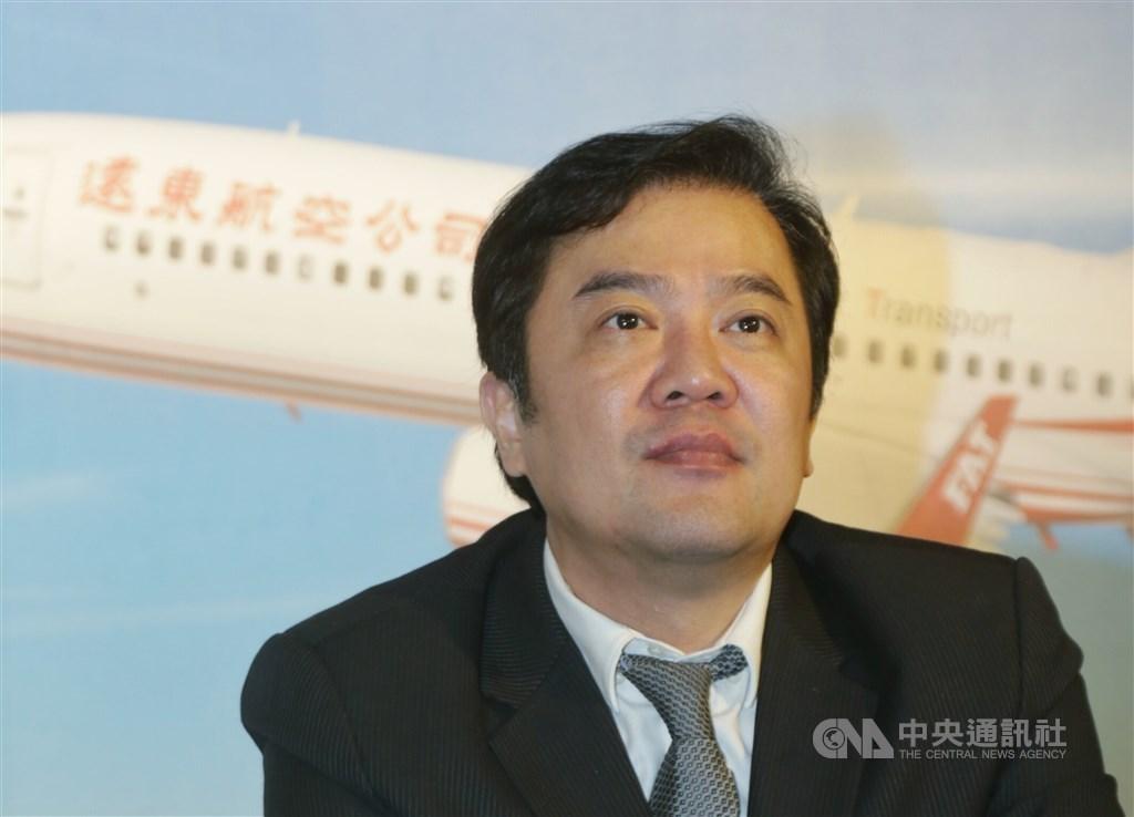 運安會主委楊宏智12日表示,2週前他到遠航關心飛安情形,當時遠航董事長兼總經理張綱維(圖)還對他拍胸脯保證,公司沒問題。(中央社檔案照片)
