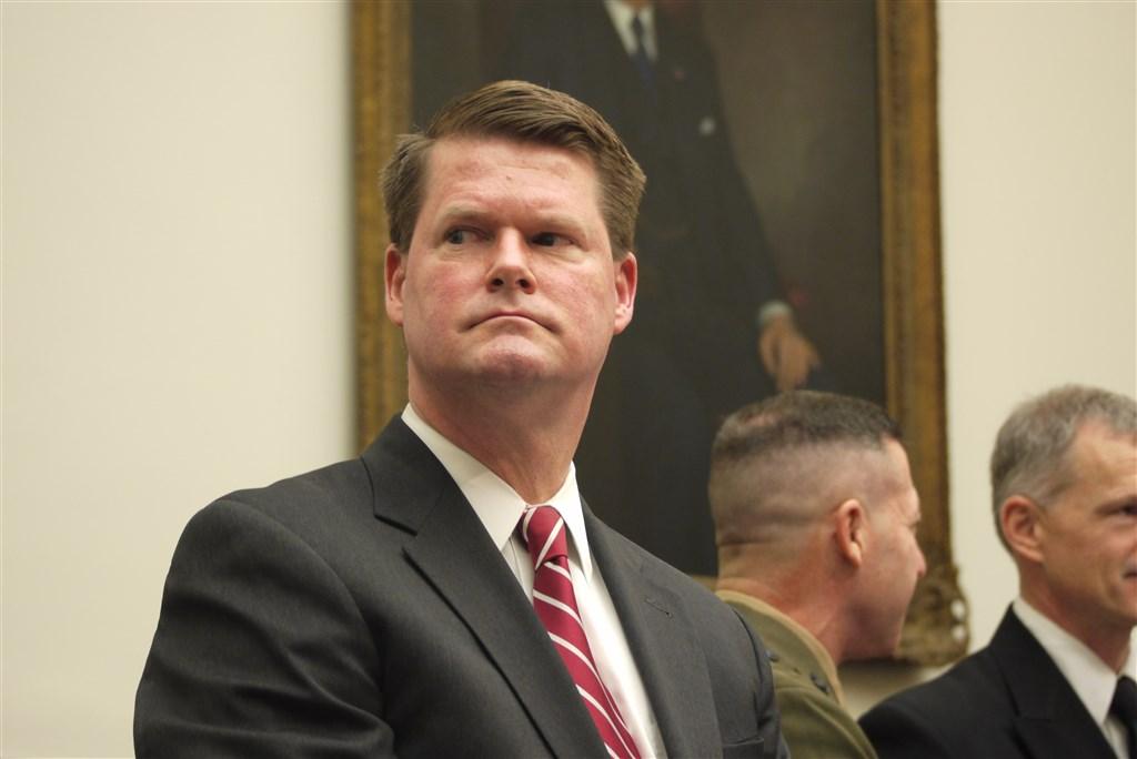 美國媒體報導,美國國防部印太安全事務助理部長薛瑞福(前)已遞交辭呈,將在12月底離職。(中央社檔案照片)