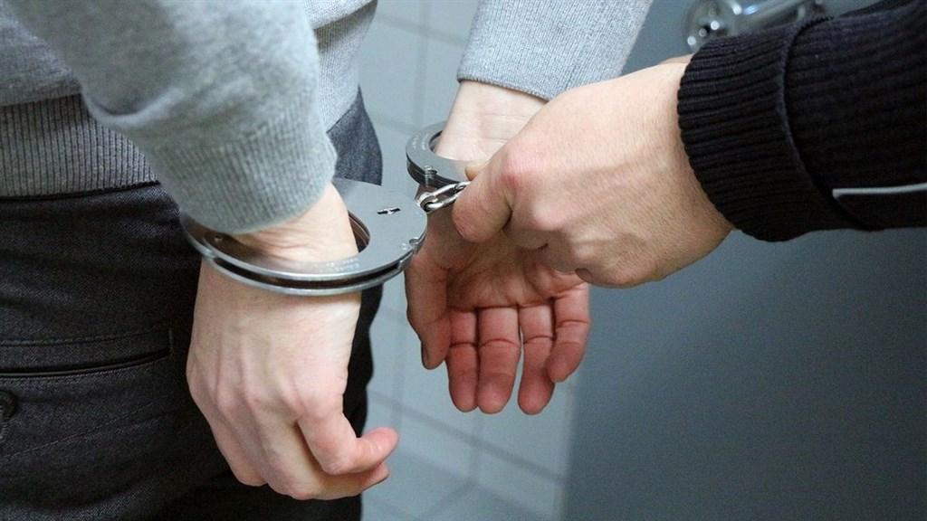 70歲清潔工羅長清在反送中衝突遭磚頭擊中,送醫後不治身亡。港警13日宣布拘捕5名涉案的青少年。(示意圖/圖取自Pixabay圖庫)