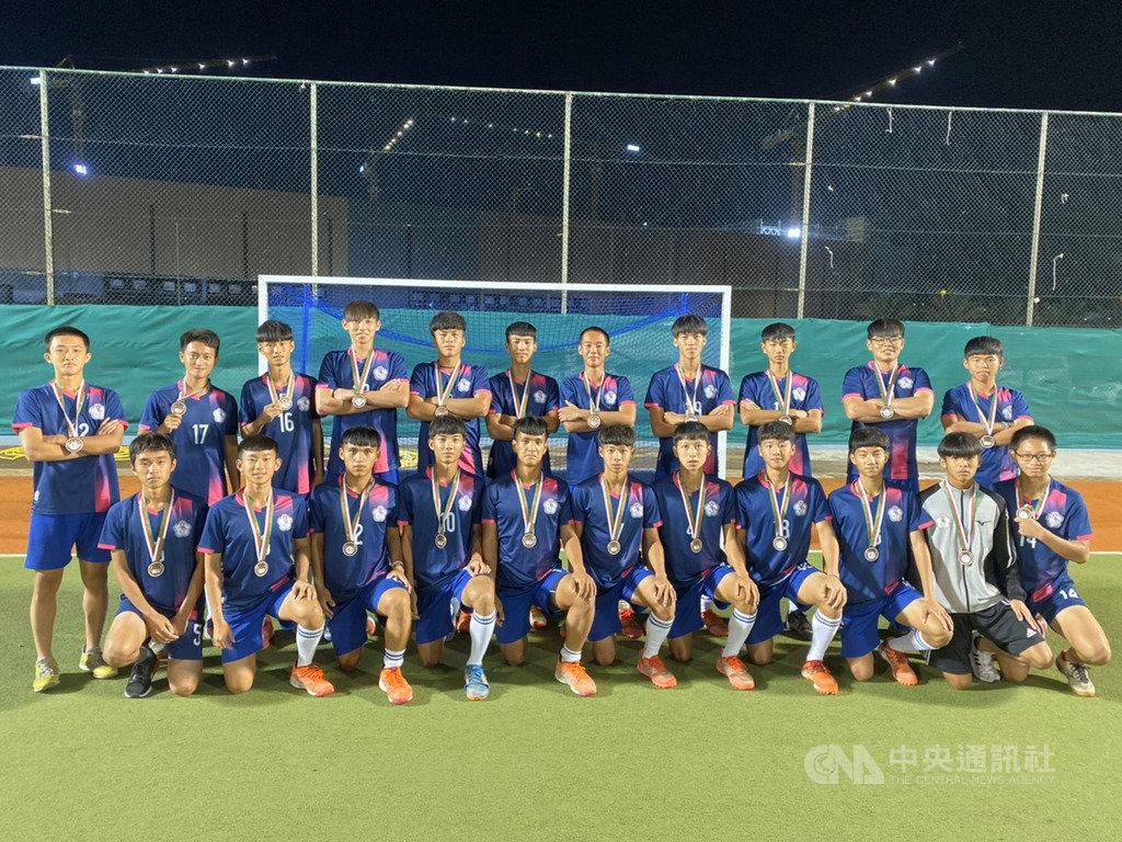 U21男子亞洲盃曲棍球錦標賽在阿曼舉行,中華隊14日在季軍賽中以5比3擊敗烏茲別克,拿下銅牌。(總教練廖興洲提供)中央社記者黃自強新加坡傳真 108年12月15日