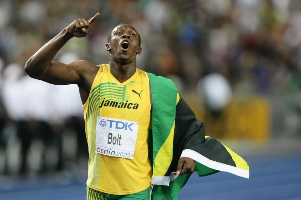 牙買加短跑名將波特被譽為10年來地球上跑得最快的男人,他締造的100公尺9秒58及200公尺19秒19的世界紀錄,至今無人能敵。(圖取自facebook.com/usainbolt)
