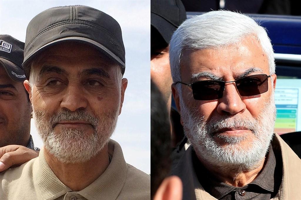 伊拉克民兵組織「人民動員」宣布,巴格達國際機場1月3日遭遇美軍空襲,造成伊朗指揮官蘇雷曼尼(左)和伊拉克「人民動員」次長穆罕迪斯喪生。(路透社提供)