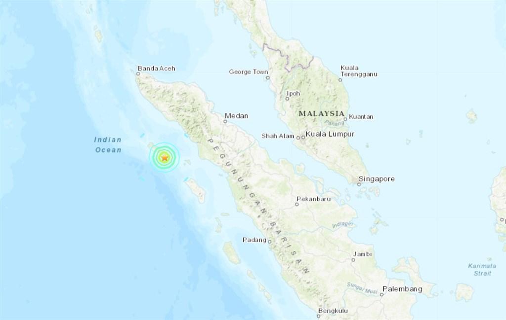 美國地質調查所表示,印尼亞齊省錫默盧島外海7日發生規模6.2地震。(圖取自USGS網頁earthquake.usgs.gov)