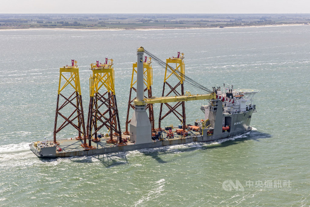 離岸風電高技術門檻在海上,包括海事工程、海上變電站設計等,台灣廠商向外商取經,是否能夠學到核心,後續有待檢驗。(CIP提供)中央社記者潘羿菁傳真 109年1月12日