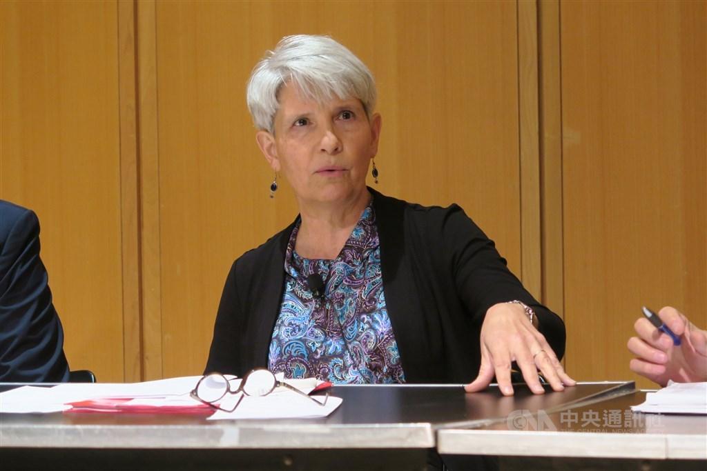 美國戴維森學院教授任雪麗(圖)12日表示,國民黨總統候選人韓國瑜的大敗,是國民黨久病的病徵,而非病因。(中央社檔案照片)