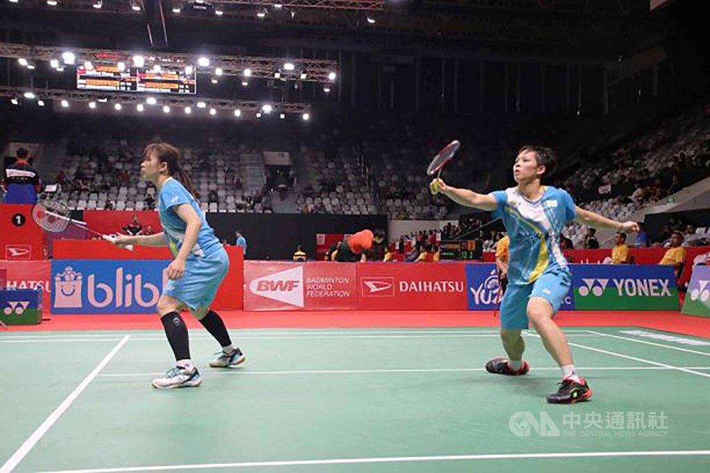 台灣羽球女將楊景惇(右)、張淨惠(左)擺脫低潮,14日挺進BWF世界羽球巡迴賽超級500印尼大師賽女雙32強。中央社記者石秀娟雅加達攝  109年1月14日