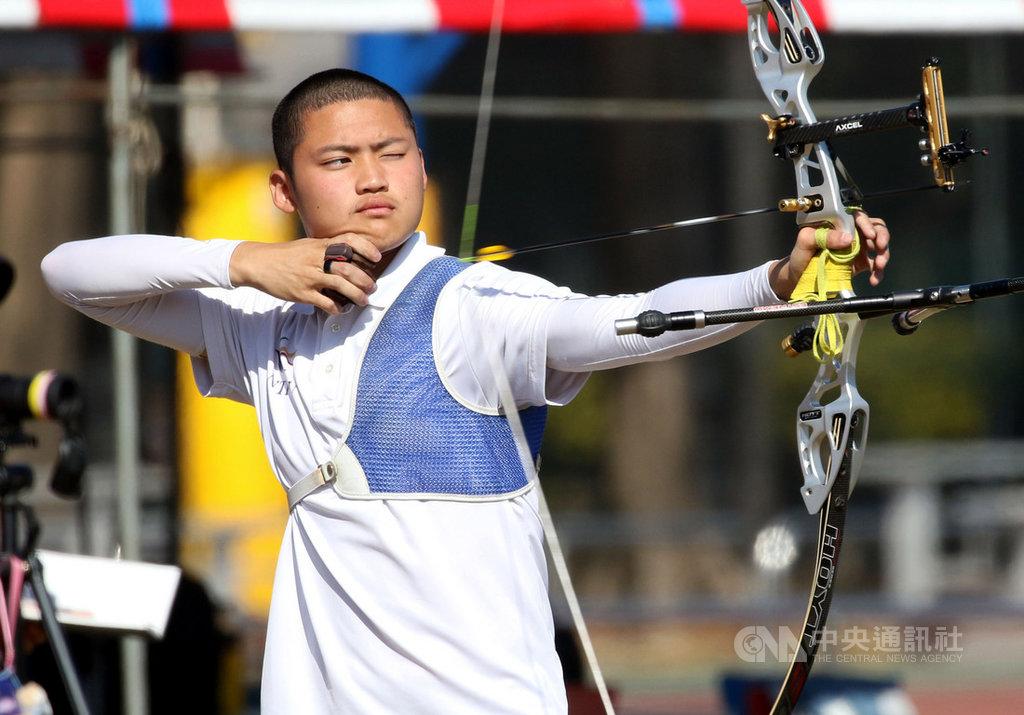 2020東京奧運中華射箭代表隊國手名單16日出爐,湯智鈞首度拚進奧運,他也霸氣地立下要拿下個人、混雙和團體賽金牌的志願。(射箭協會提供)中央社記者黃巧雯傳真 109年1月16日