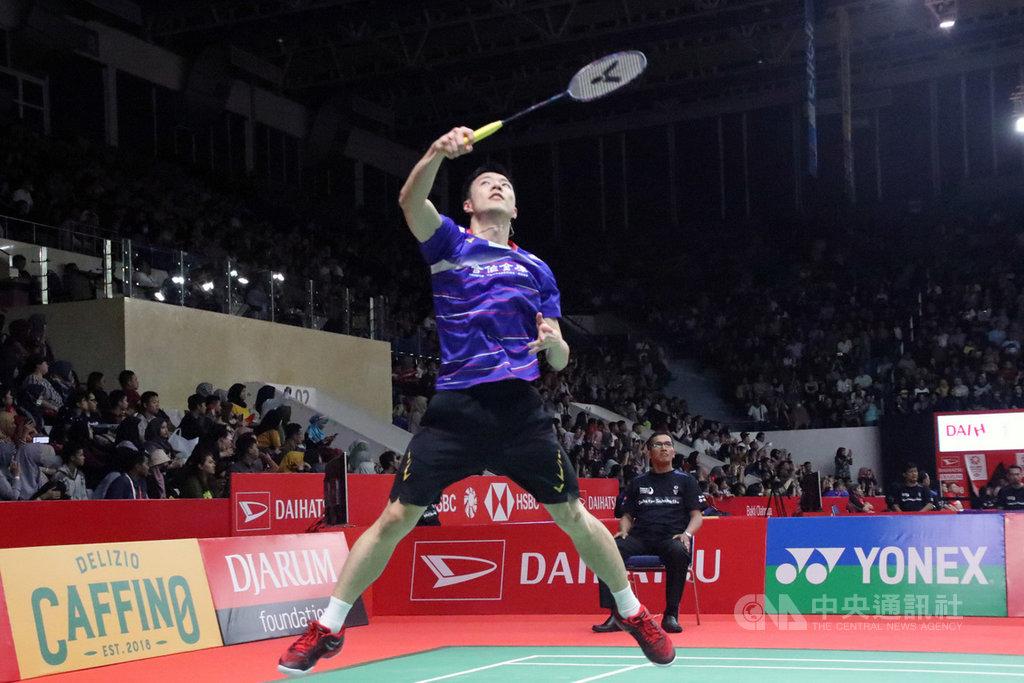 王子維15日在印尼羽球大師賽以直落二擊敗泰國好手王高倫,晉級男單16強賽。中央社記者石秀娟雅加達攝 109年1月15日