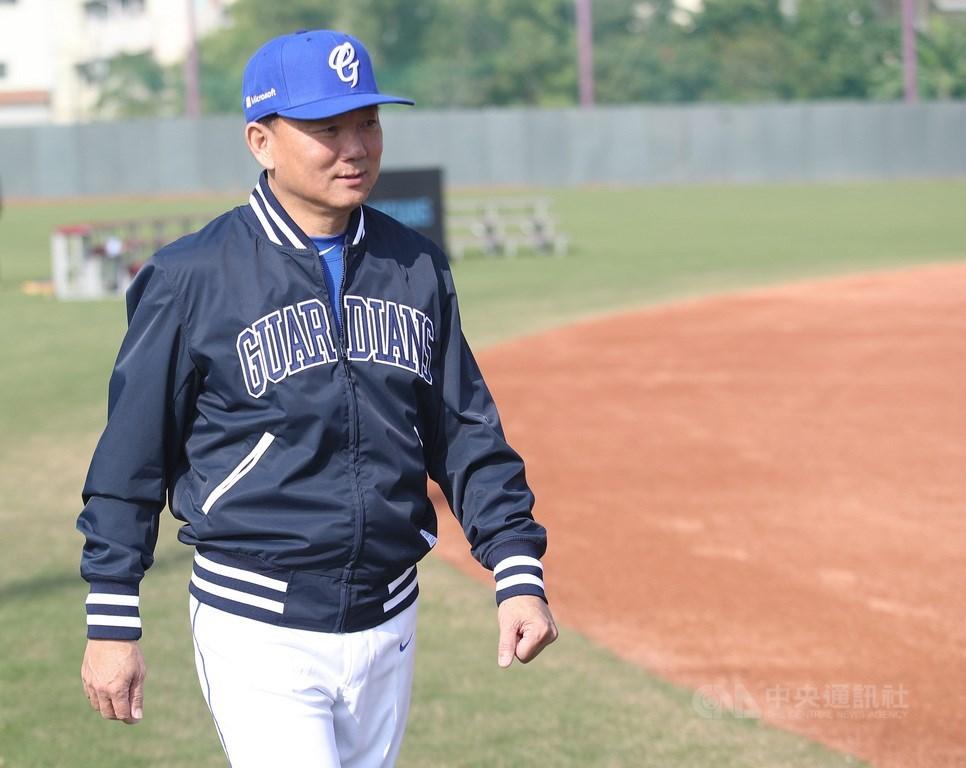 體育署16日公布6搶1最終奧運資格賽中華隊教練團部分名單,確定由總教練洪一中(圖)領軍。中央社記者張新偉攝 109年1月13日