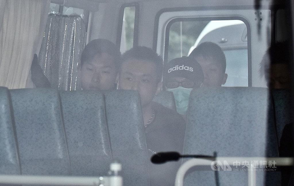 香港贼王季炳雄出狱直奔机场料将递解美国