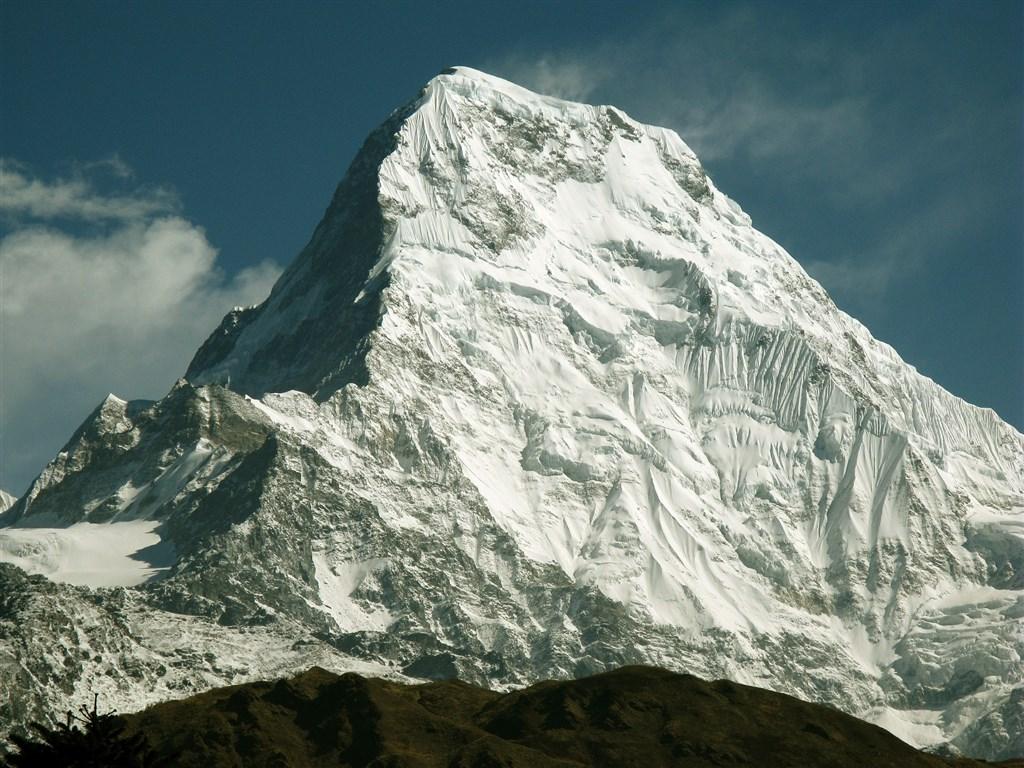 「喜馬拉雅時報」報導,尼泊爾喜馬拉雅山安納布爾納峰(圖)17日發生雪崩,至少3名台灣登山客遇到雪崩。(圖取自Pixabay圖庫)