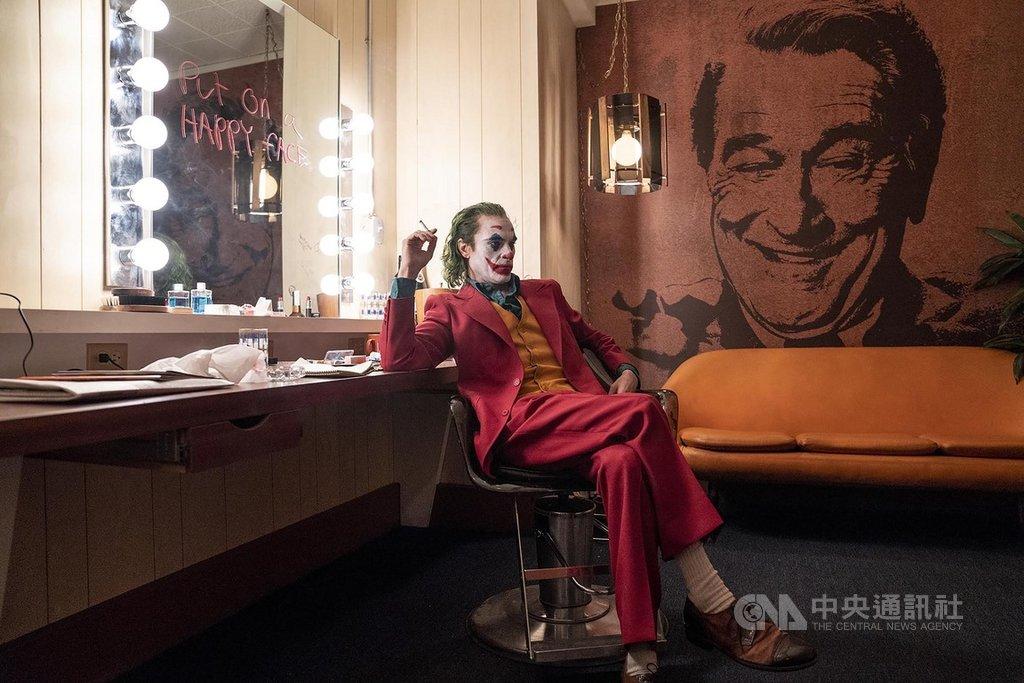 電影「小丑」(Joker)在美國第92屆奧斯卡金像獎入圍11項大獎,並將於2月7日在台重新上映,邀請台灣影迷為這部電影跨海集氣,順利抱回大獎。(華納兄弟提供)中央社記者洪健倫傳真 109年1月19日