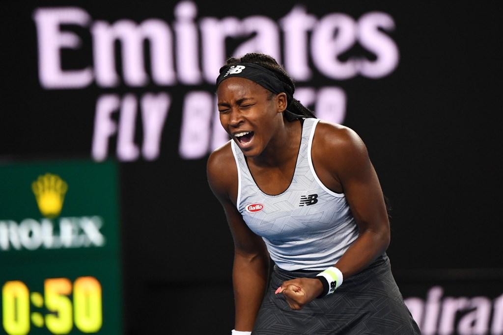 15歲美國女網小將高夫(圖)20日在澳洲網球公開賽擊敗同胞好手前球后大威廉絲。(圖取自twitter.com/wta)