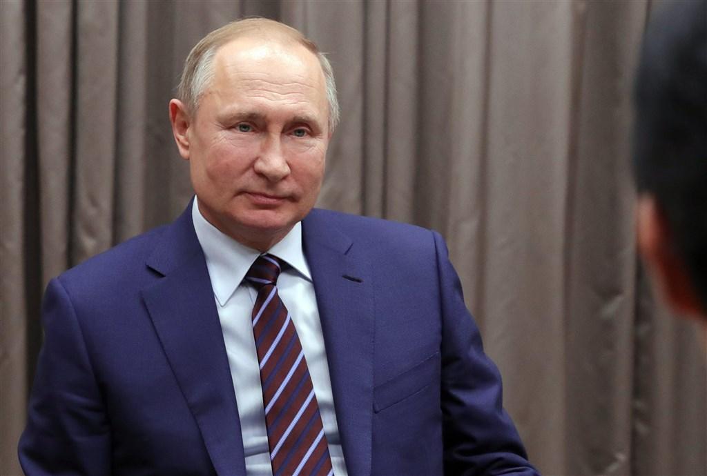 俄羅斯總統蒲亭18日駁斥當終身總統的想法,他表示,不希望蘇聯時代後期情況再次上演。(圖取自twitter.com/KremlinRussia_E)
