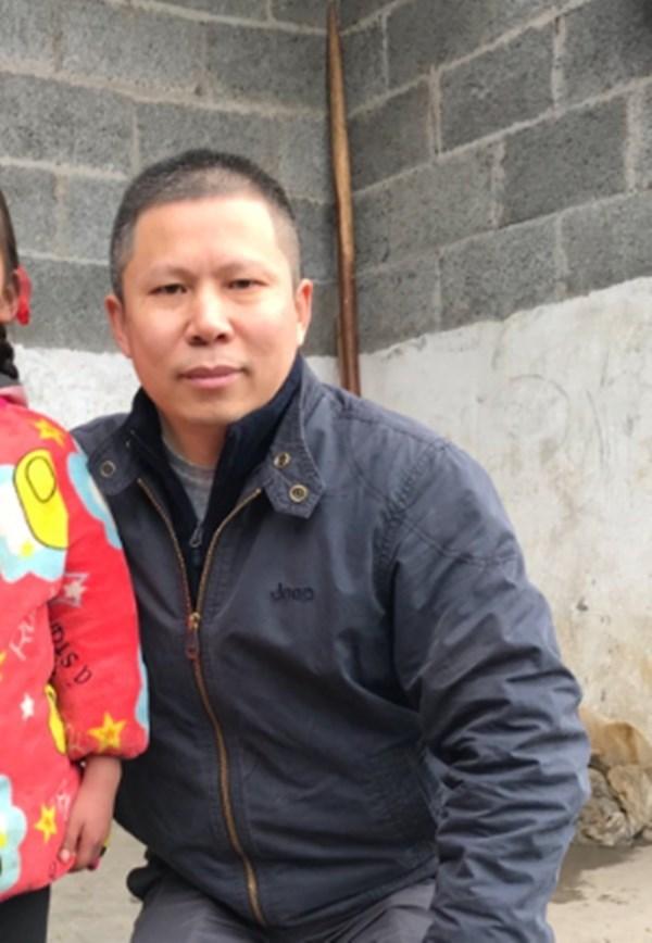 中國公民運動倡議者許志永(圖)因「廈門聚會」踏上逃亡之路,家人也受牽連被當局監控。(圖取自twitter.com/zhiyongxu)
