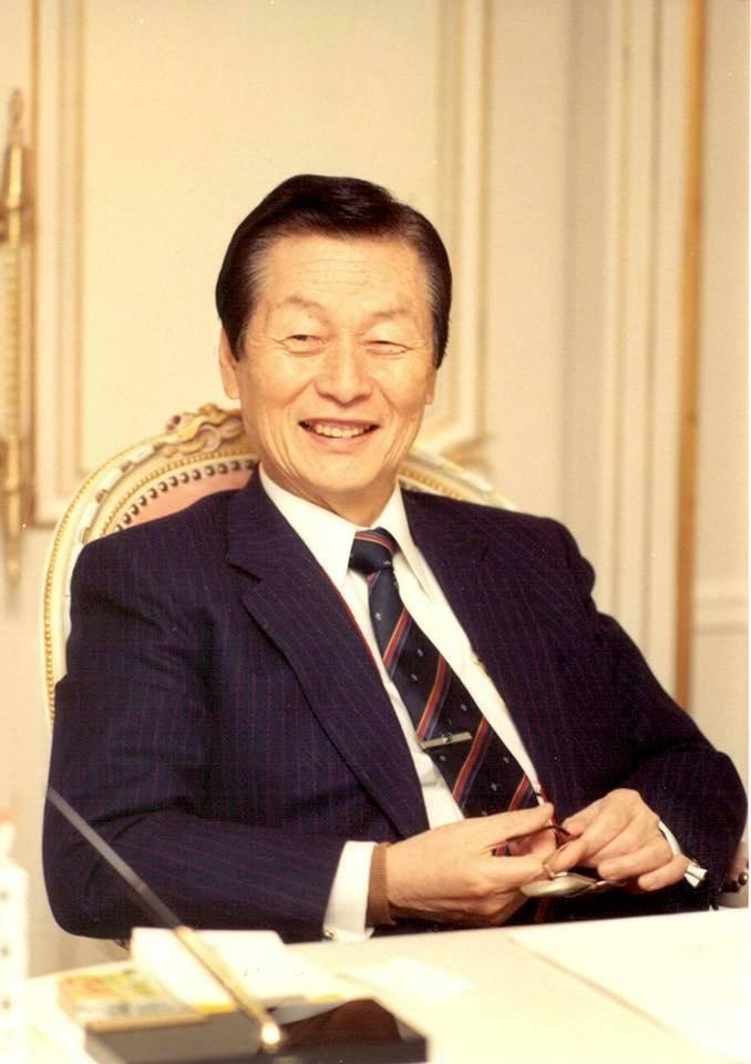 樂天集團創始人辛格浩19日下午在首爾病逝,享耆壽98歲。(圖取自facebook.com/lotte)
