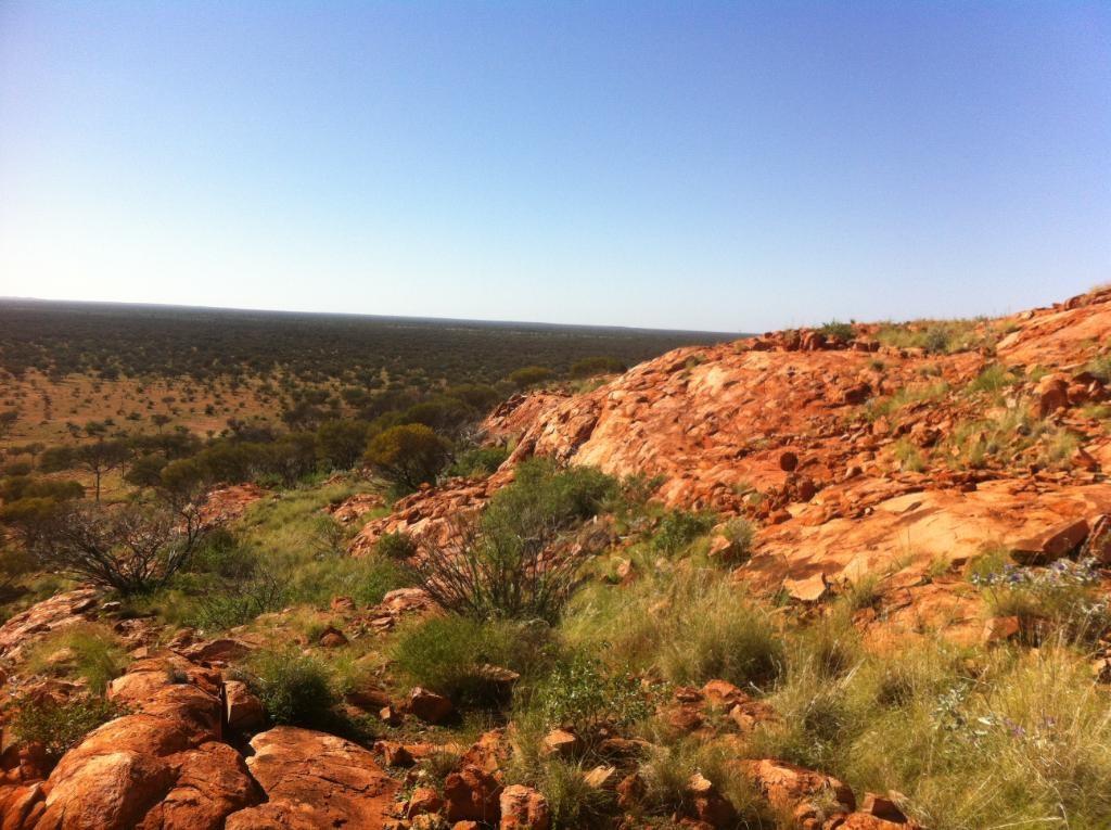 「自然通訊」期刊最新研究報告指出,澳洲西部一個22億多年前遭隕石撞擊的坑洞,是現今世上已知最古老的隕石坑。(圖取自twitter.com/NASA)